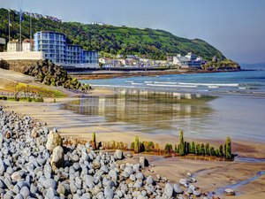 Places to visit in Devon-Westward_ho-devon-moorparks-holiday-cottage